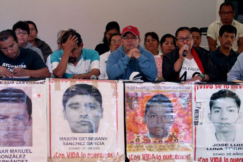 Dictan libertad a 4 vinculados en caso Ayotzinapa