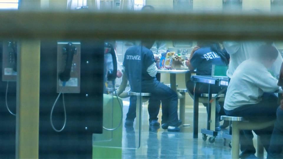 Sin precedente: el Servicio de Inmigración transferirá a 1.600 inmigrantes a cárceles