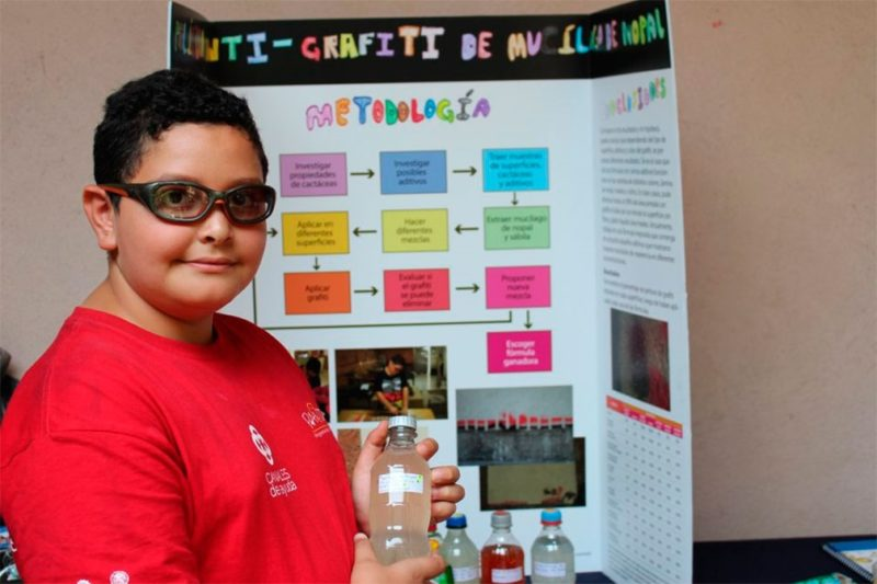 Niño de primaria crea removedor de graffiti a base de nopal