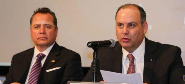 Videos: A horas del debate, el sector patronal divulga una encuesta: Morena arrasa: presidencia, cinco gubernaturas y congreso. En otros sondeos, AMLO, firme puntero