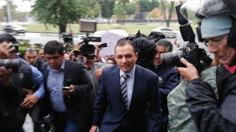 El panista Ernesto Cordero denuncia a Ricardo Anaya ante la PGR por lavado de dinero y tráfico de influencias