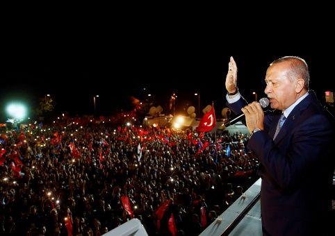 Erdogan es reelegido presidente de Turquía con más del 52% de los votos
