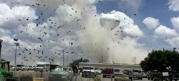 Video: Un muerto y doce heridos tras explosión en un hospital de Texas