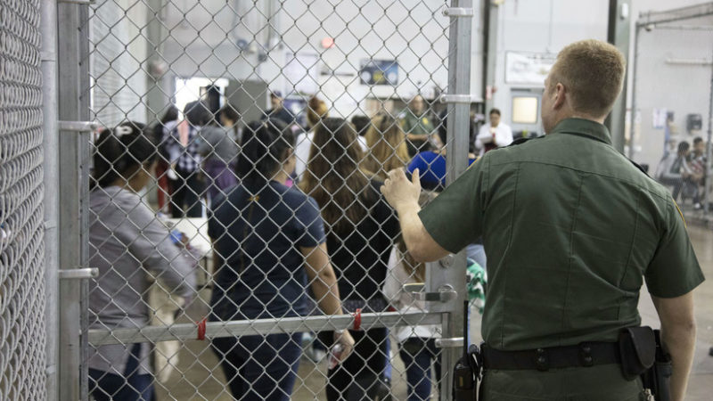 Videos: Las jaulas donde Trump  encierra a los niños de los migrantes indocumentados