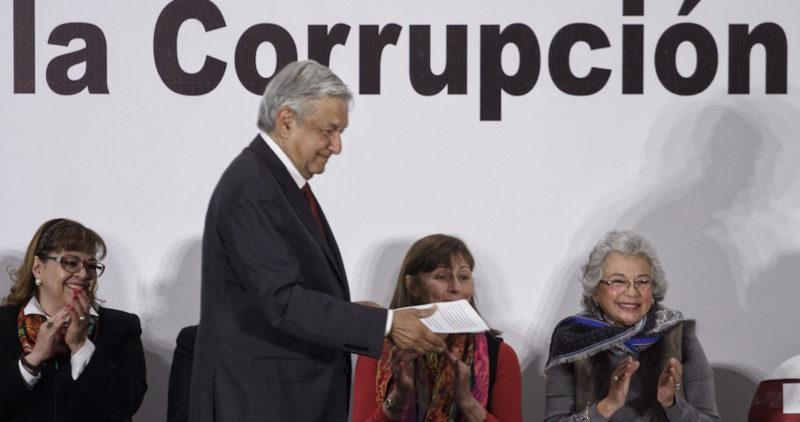 AMLO promete cero corrupción, pero académicos ven patas cojas: no basta con la buena voluntad