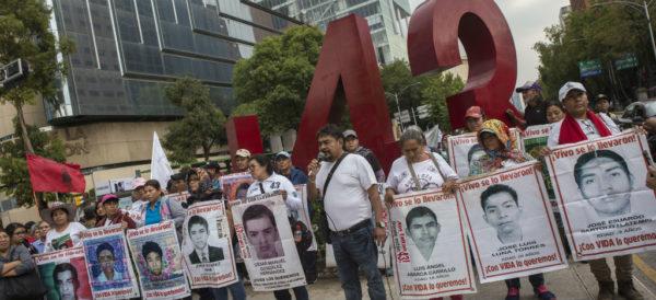 Magistrado destaca al  'NYT' el mecanismo judicial novedoso para encontrar con urgencia a los 43