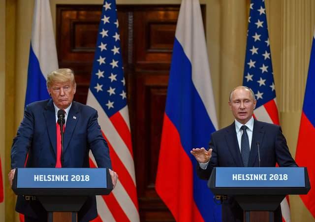 Tildan de traidor a Trump tras encuentro con Putin, quien negó que su país haya intervenido en elecciones estadounidenses