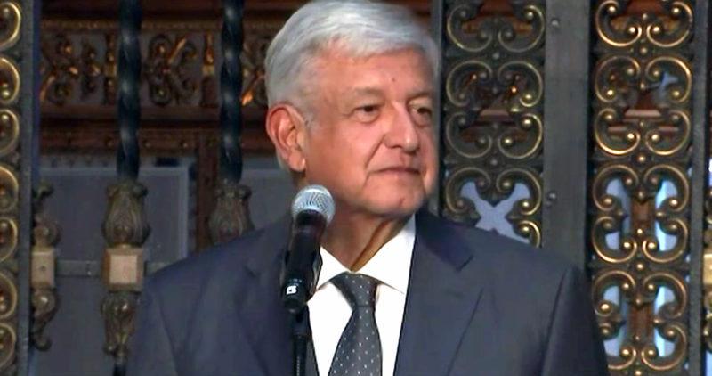 """AMLO repite, en Palacio Nacional, tras reunión con Peña: """"Vamos a arrancar el régimen corrupto"""""""