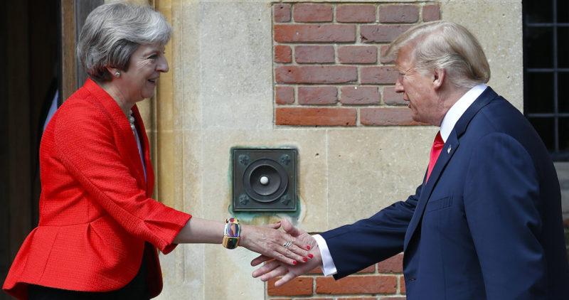 Trump humilla a la Primera Ministra de Inglaterra, ataca sus planes y provoca la caída de la libra