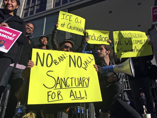 Juicios masivos contra inmigrantes en California