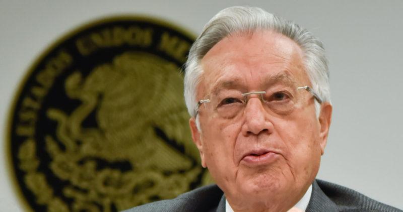 """Bartlett: """"Si hubo fraude en 1988, fueron Salinas, Calderón, Diego; ellos quemaron los paquetes"""""""