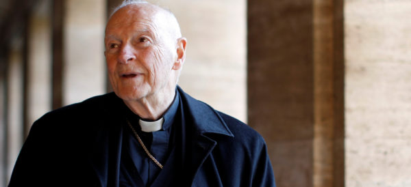 Papa Francisco suspende al cardenal McCarrick, acusado de abuso sexual