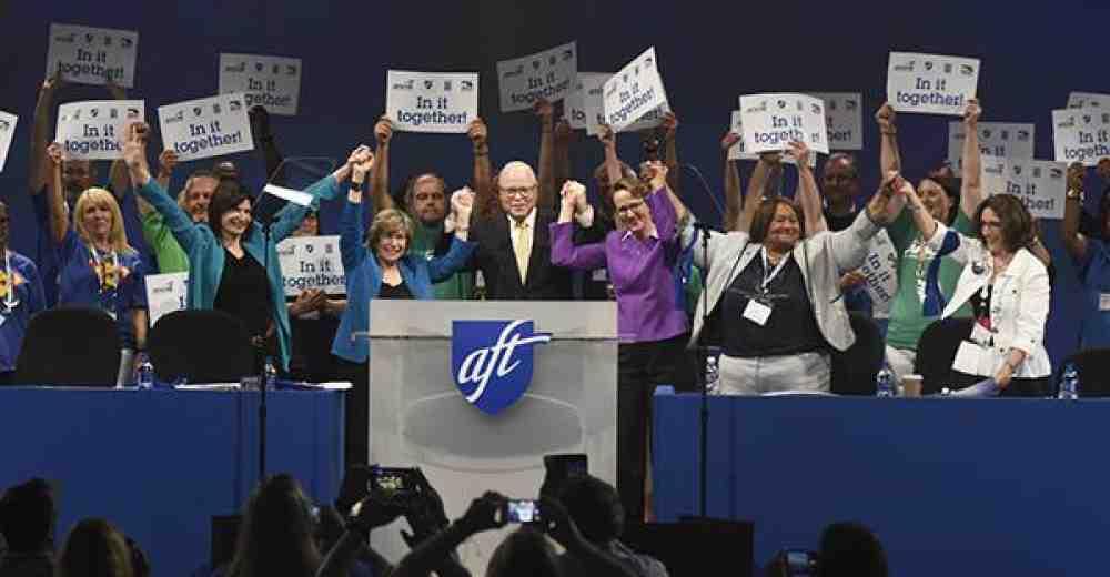 Instan a fortalecer la unidad, resistencia, movilización y lucha de los trabajadores para enfrentar el ataque sin precedente en su contra de parte de la administración Trump, corporaciones y políticos derechistas