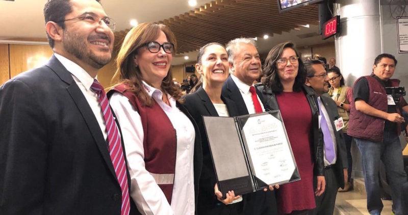 Sheinbaum recibe del IECM constancia de mayoría, y será la primera mujer electa que gobierne la Ciudad de México