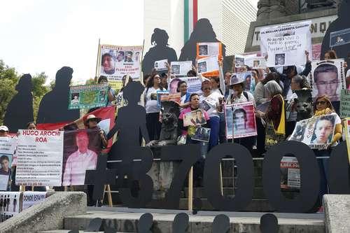 Omisos en combatir desapariciones, los gobiernos deCalderón y Peña Nieto