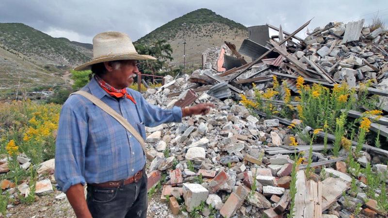 Videos: El campesino que lucha contra una minera de Carlos Slim para impedir la desaparición de su pueblo
