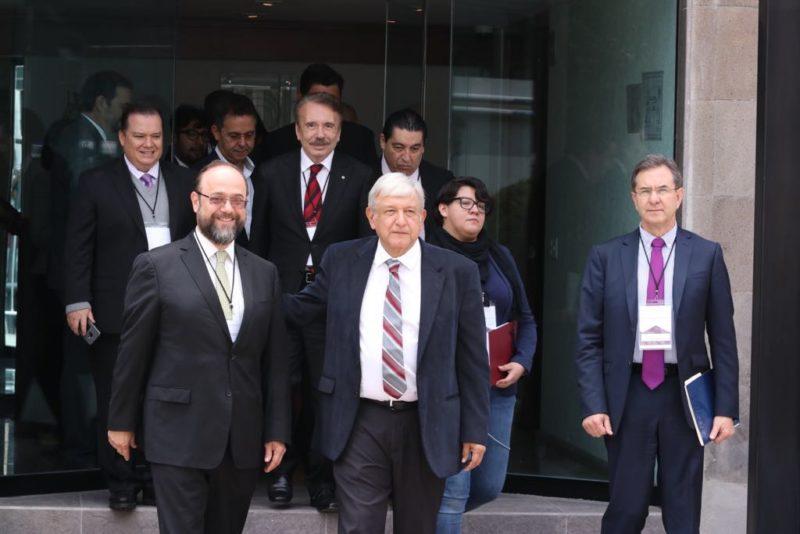 López Obrador a rectores: mejorará la educación superior para que jóvenes accedan y se titulen en  universidades