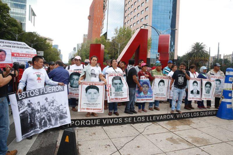 Ejército y la policía federal, obstáculos institucionales del nuevo gobierno para aclarar el caso de los 43: Encinas