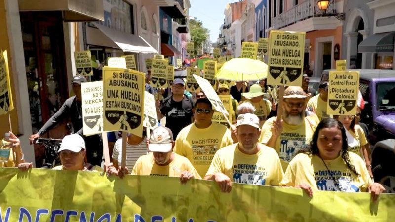 Docentes de Puerto Rico hacen huelga de un día en contra de los recortes en educación