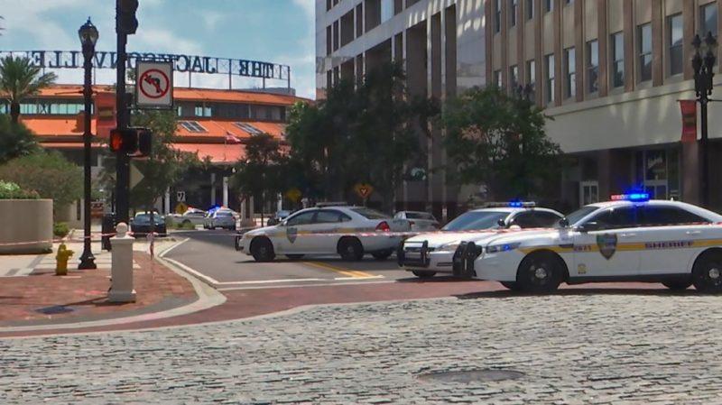 "Tiroteo en Jacksonville; reportan ""varios"" muertos"