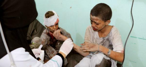 Al menos 50 personas muertas, entre ellos 29 niños, en ataque contra autobús en Yemen