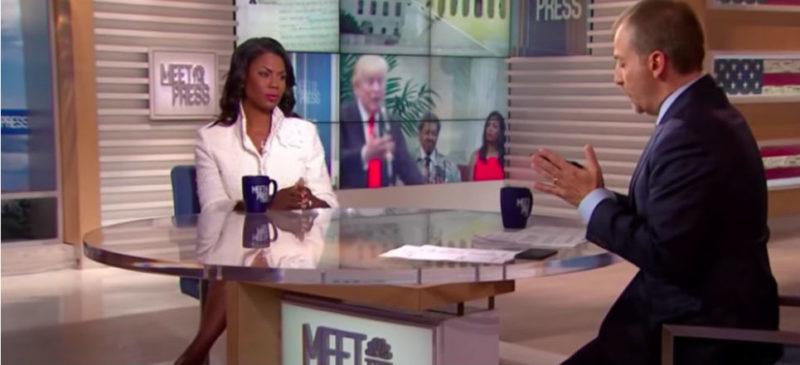 """Videos: Otro escándalo para Trump: ahora ex colaboradora lo acusa de """"declive mental"""""""