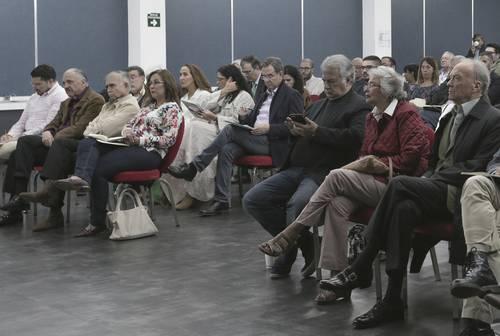 A consulta, grandes obraspara evitar conflictos sociales