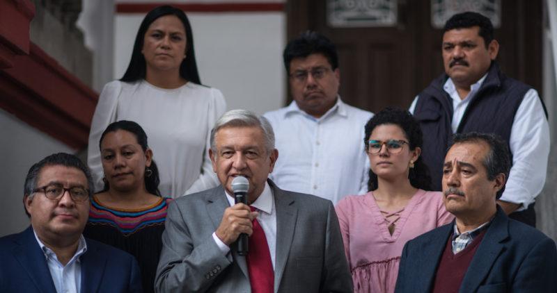 """AMLO anuncia Instituto Nacional de Pueblos Indígenas; """"¡yo mismo fui coordinador, en 1977!"""", dice"""