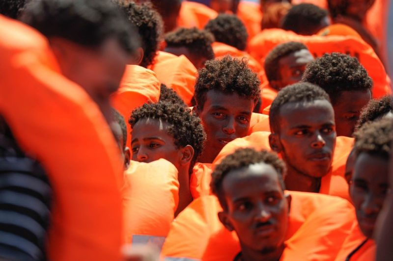 Sin precedente: España y otros 5 países europeos recibirán a 141 migrantes africanos del barco 'Aquarius'.