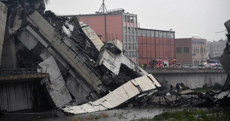 Videos: Derrumbe de un viaducto en Génova, Italia, deja al menos 22 personas muertas