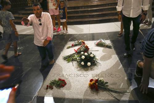 Documental: Aprueba Madrid exhumar restos del fascista Francisco Franco