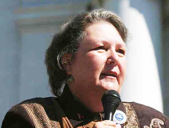 El Sindicato de Maestros de LA respalda a Jackie Goldberg para que ocupe de manera interina el cargo que dejó vacante Ref Rodríguez en la Junta Educativa de LAUSD