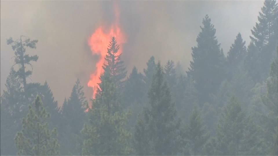 Incendio en el norte de California se convierte en el cuarto mayor en la historia de ese estado