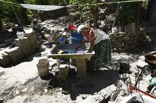 Coneval: siete de cada 10 indígenas del país enfrentan pobreza