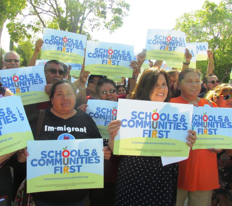 Videos: Aplastante mayoría de maestros angelinos votan por realizar una huelga, en caso de ser necesario
