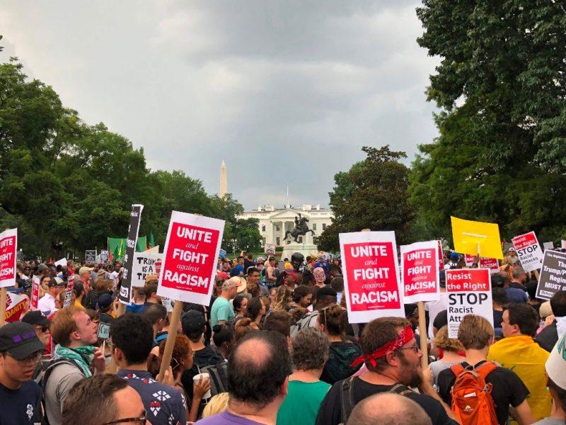 Supremacistas blancos y sus contrapartes protestan en Washington