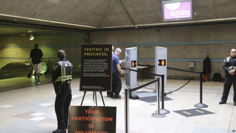 Los Ángeles, el primero en EU en instalar escáners de cuerpo completo en el metro