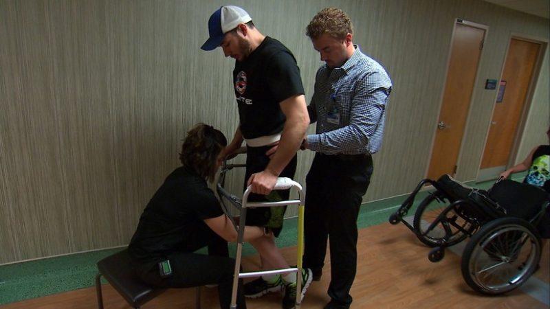 Videos:  Parapléjicos logran caminar tras la implantación de electrodos en la columna vertebral