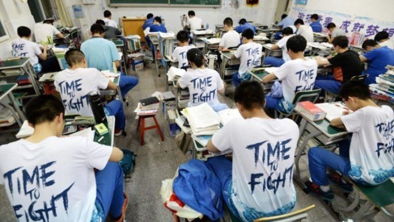 China: Alumno muere tras ser castigado en una escuela por hablar en la siesta