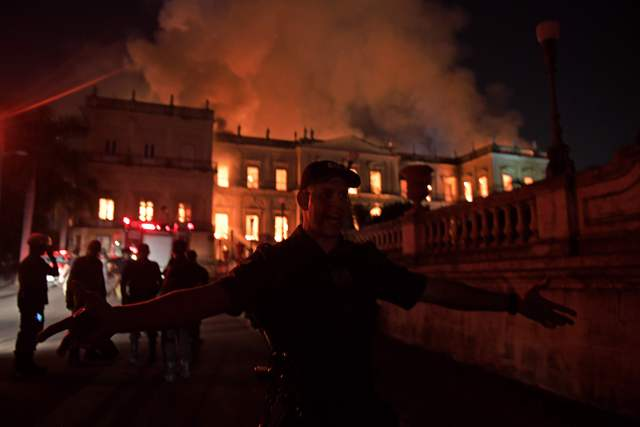 Videos: Incendio en el Museo Nacional de Brasil: 20 millones de piezas destruidas