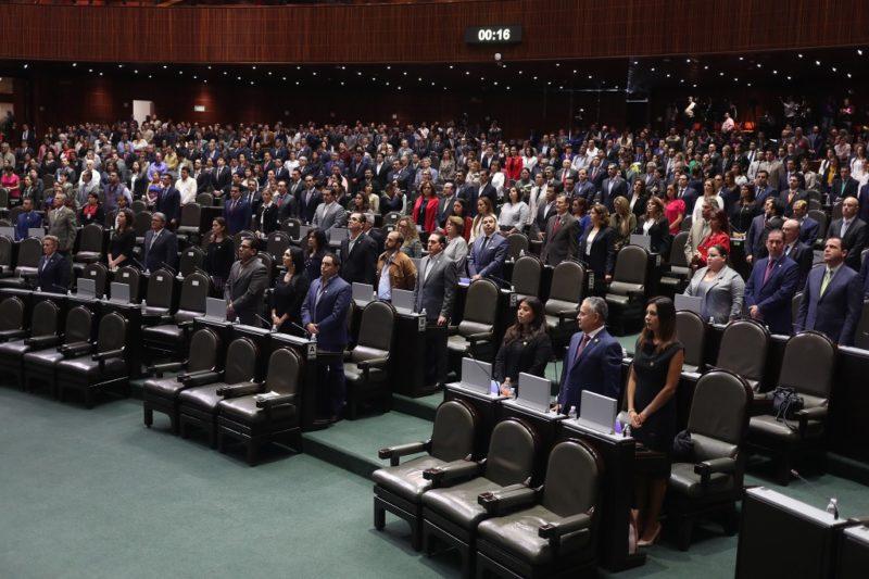 Diputados bajan sus ingresos mensuales, de 128 mil 230 pesos a 91 mil 507