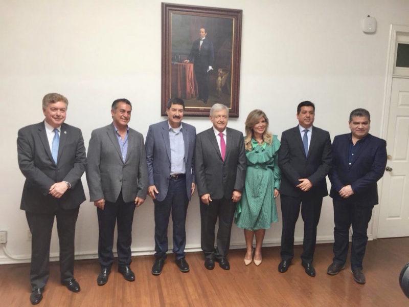 AMLO acuerda con gobernadores del norte del país incrementar al doble el salario y reducir IVA e ISR