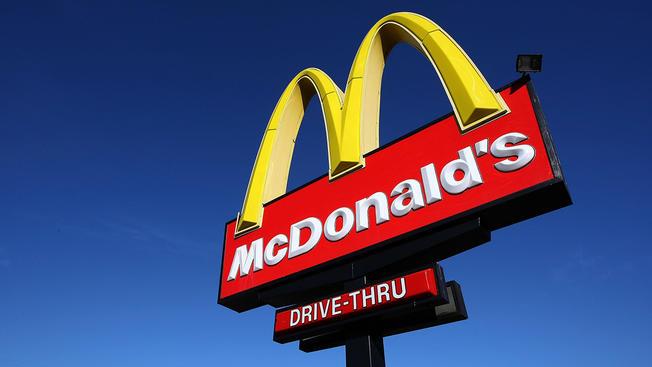 Trabajadores de McDonald's participarán en huelga por ofensas sexuales a empleados