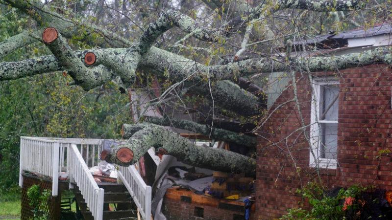Reportan 7 fallecimienos por el huracán Florence. 10 millones de afectados