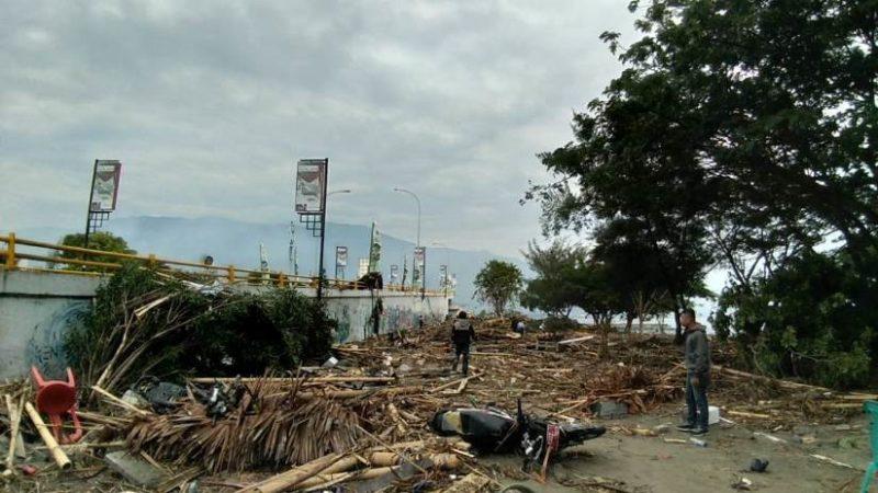 Al menos 30 muertos tras registrarse potente terremoto seguido de un tsunami en Indonesia