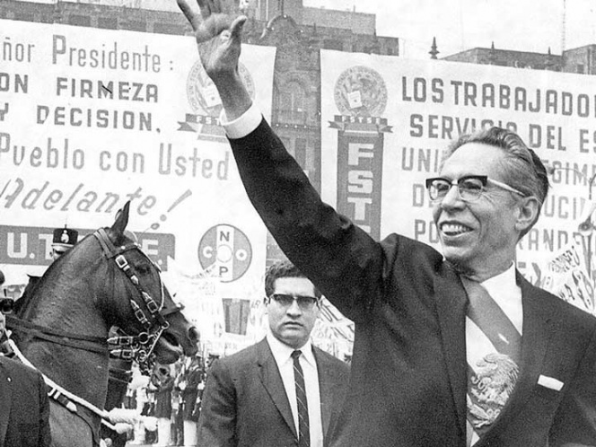 El 68 a medio siglo: Doble lenguaje, el signo de Díaz Ordaz . Ofrecíadiálogo abierto, pero a la vez amenazaba:hay límites
