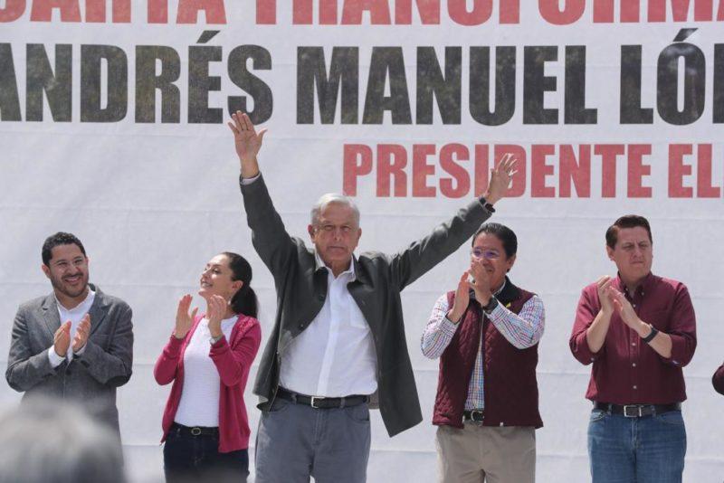 En la Plaza de las Tres Culturas, AMLO afirma que no usará al ejército para reprimir al pueblo