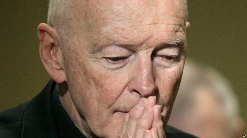 El Vaticano supo desde el año 200 del caso del cardenal estadounidense que abusó de seminaristas y no hizo nada, denuncian