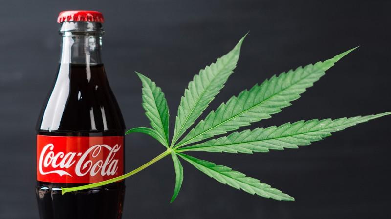 Coca-Cola analiza entrar al negocio de bebidas con infusión de marihuana