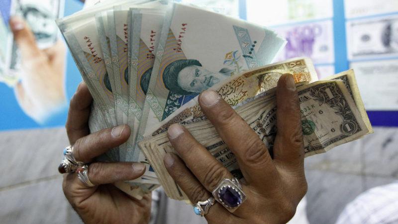 Irán e Irak eliminan al dólar en sus transacciones comerciales